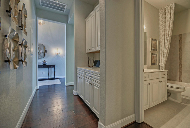 Incroyable Hallway Cabinets   Traditional   Hall   Austin   By ModelDeco