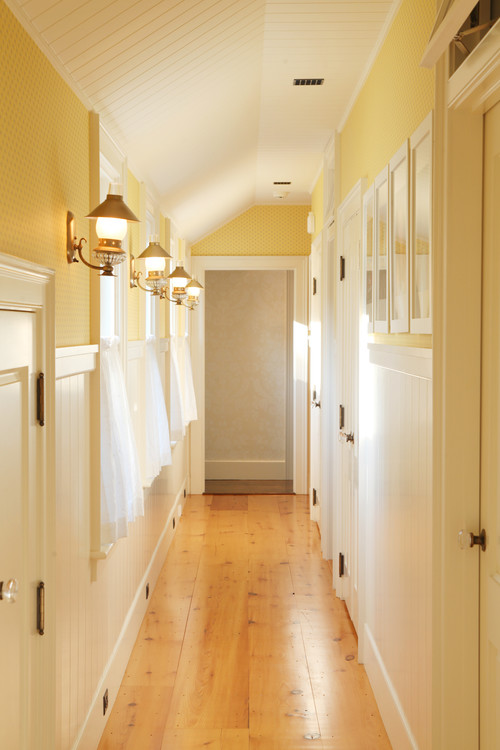 Hallway decorating ideas town country living for Living hall decoration idea
