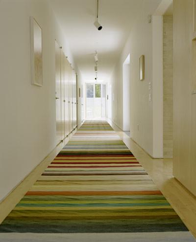 Minimalist hallway photo in Los Angeles
