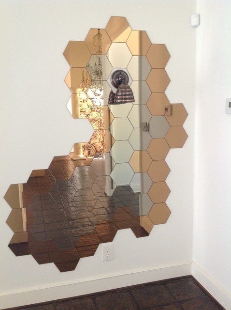 Honeycomb mirror + Beehive wall sconce light : Decorate with personality