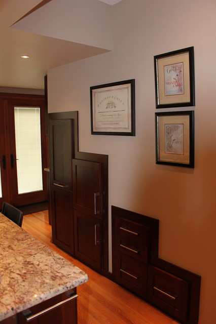 Inner City Residence traditional-hall
