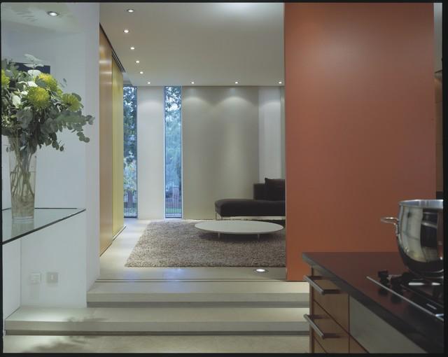 Kingston modern-family-room