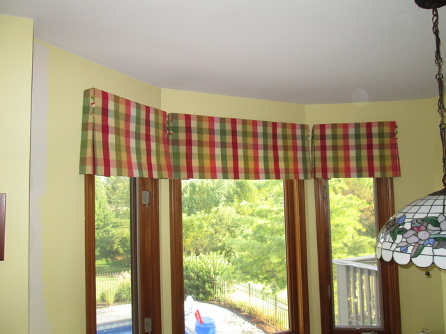Kitchen bay window treatments traditional hall - Kitchen bay window treatments ...