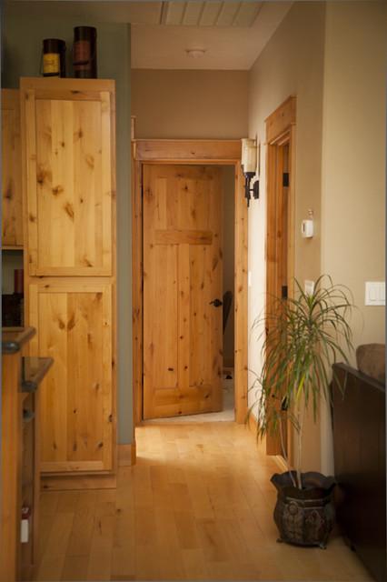 Knotty Alder Shaker Door