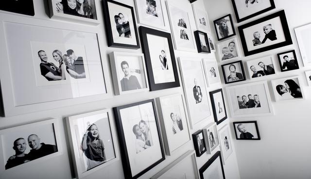 Koret Lofts Studio - Gallery Wall Feature modern-hall