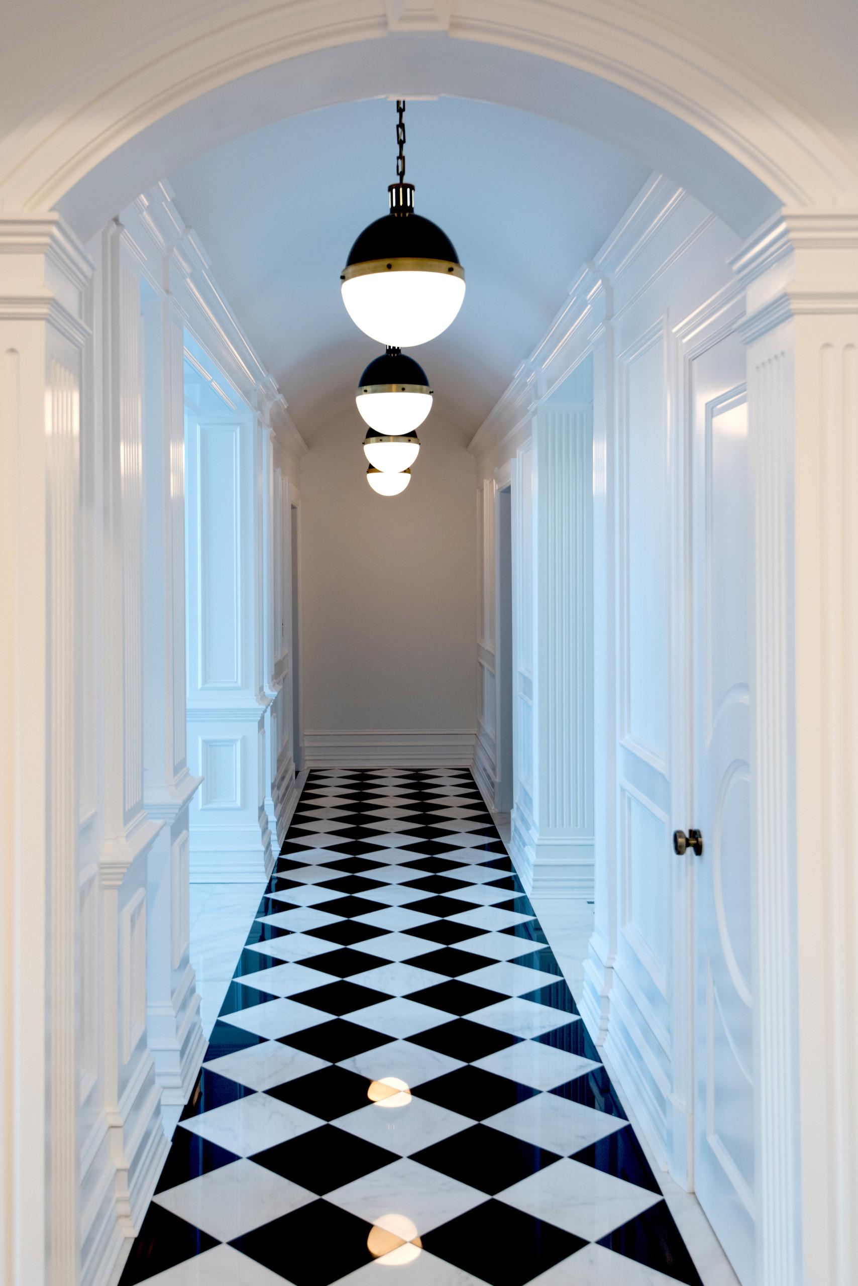 Long Island House - Hallway
