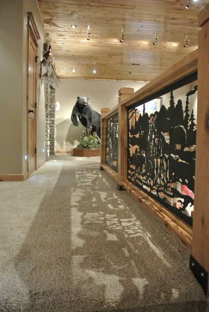 Luxe Hunting Lodge rustic-hall