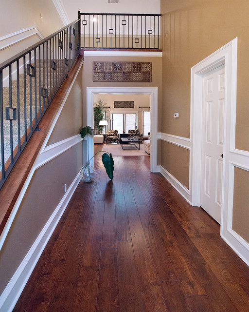Mt. Bonnell traditional-hall