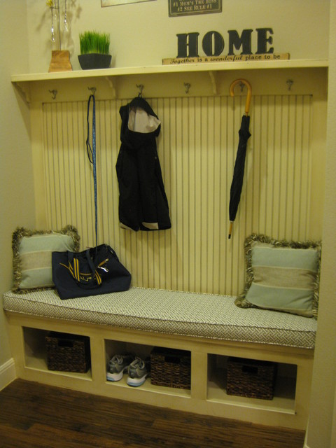 Mud Room Bench With Coat Rack By Burrows Cabinets