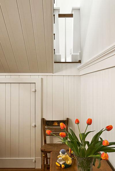 Nantucket Beadboard traditional-hall