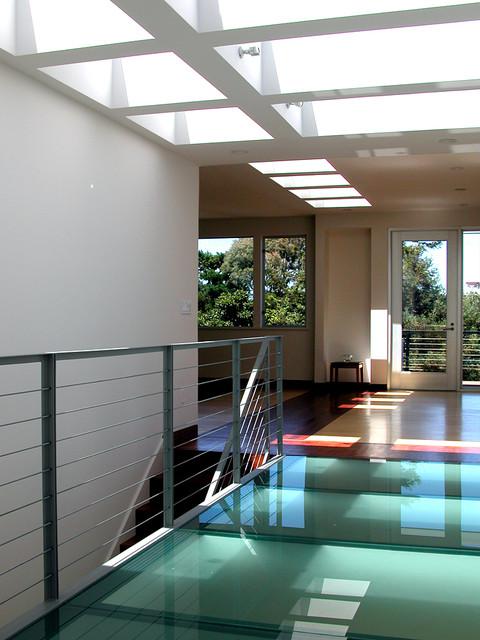 Noe Hilltop modern-hall
