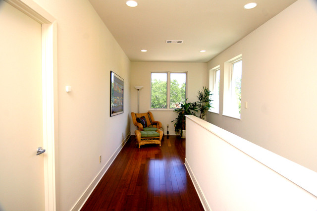 Parker Contemporary House traditional-hall