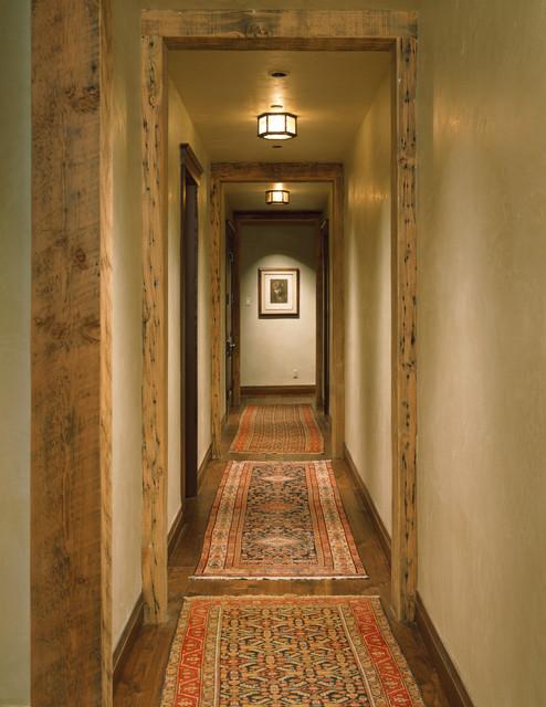 Reagan Residence traditional-hall