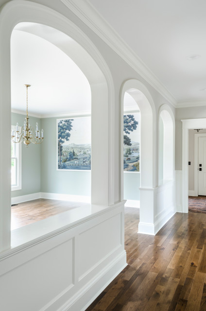 Example of a classic hallway design in Cleveland