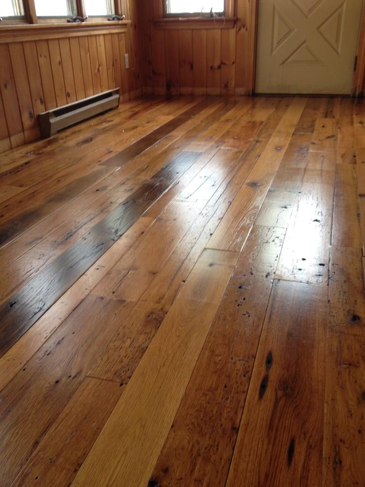 Antique Reclaimed Oak Wood Flooring