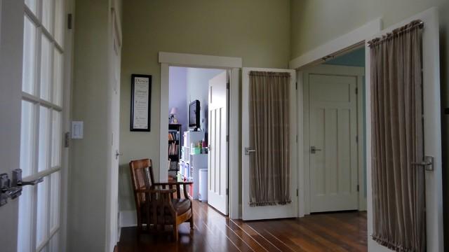 Seaview Residence traditional-hall