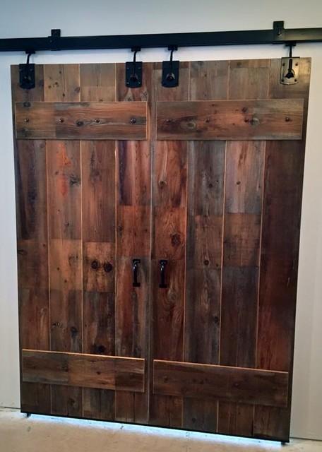 rustic living room sliding door | Sliding Barn Doors