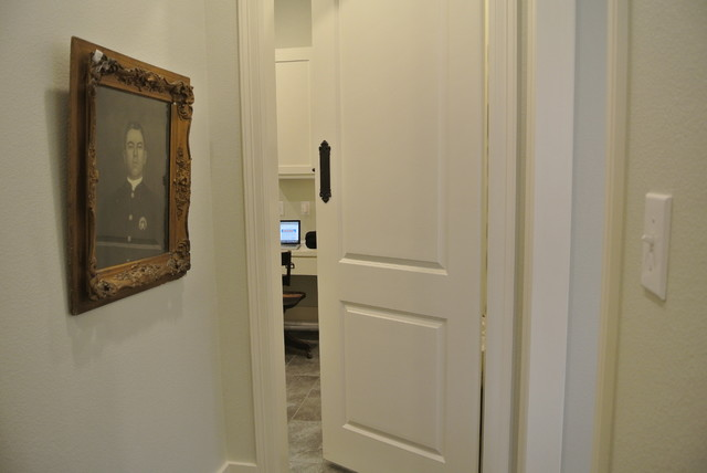 Southern Classic traditional-hall