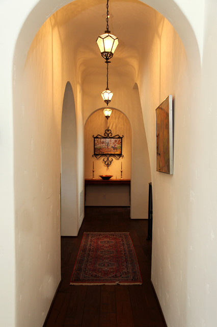 Spanish Style traditional-hall