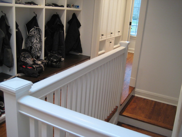 stair traditional-hall