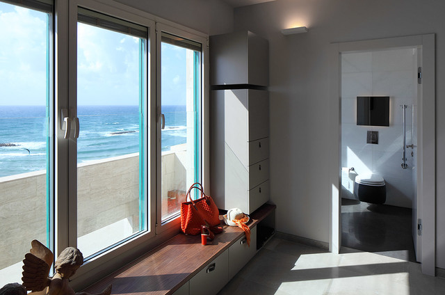 Tel-Aviv on the beach modern-hall