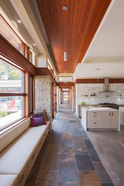 By Photolux Commercial: Barry J. Hobin & Associates Architects Inc.