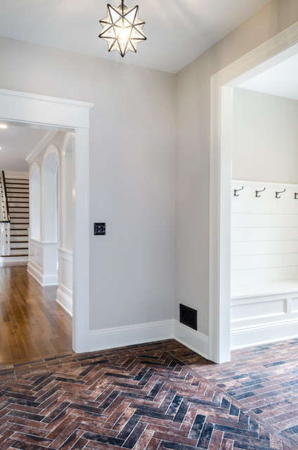 Example of a transitional hallway design in Cleveland