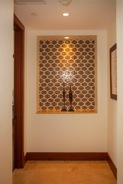 Example of a trendy hallway design in Hawaii