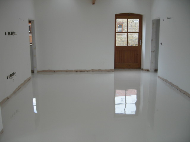 WHITE POURED RESIN FLOORING INSTALLED AT DURHAM FARMHOUSE CONVERSION  Contemporary Hall