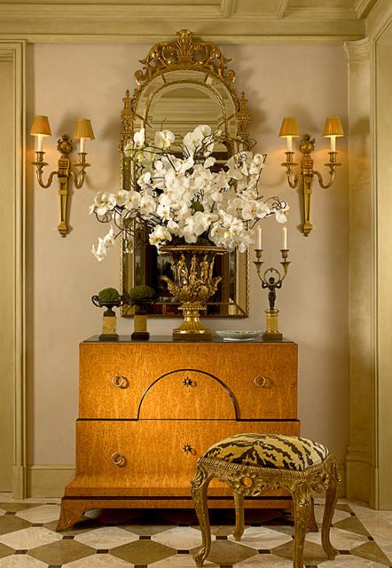 William R Eubanks Interior Design, Inc. traditional-hall