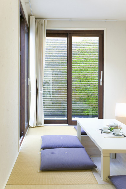 Window styles designs contemporary hall los for Hall window design