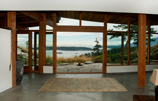Wynns House, Evergreen Bowen Island contemporary hall