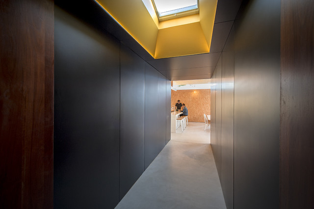 Yeovil contemporary hall perth by david barr architect for Bathroom design yeovil