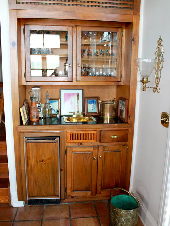 Wet bar storage closets design ideas pictures remodel for Closet dry bar ideas
