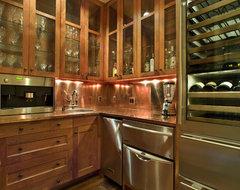 Angelwylde House rustic-home-bar