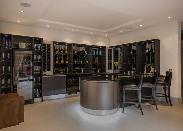Angolo bar moderno trendy angolo bar moderno per casa con mobile bar a casa per brindare e fare - Angolo bar in casa moderno ...