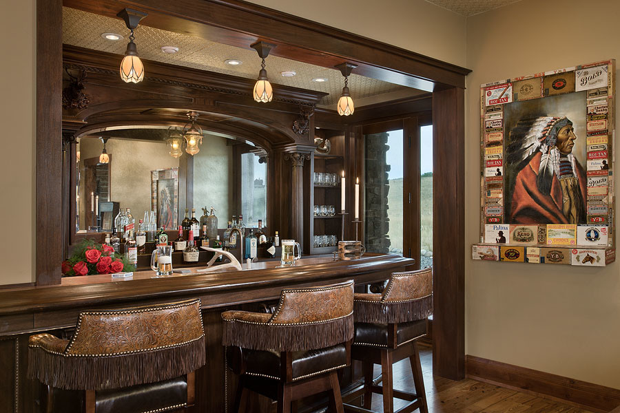 Mountain style home bar photo in Other