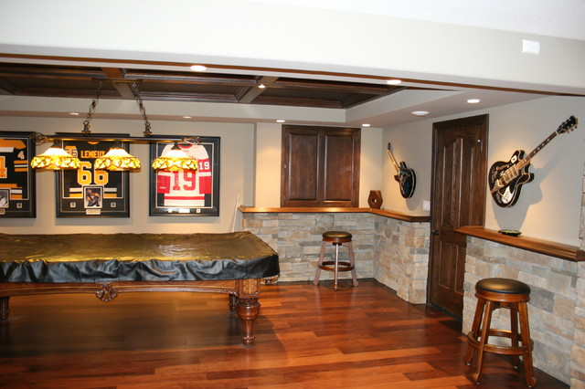 Man Cave Barrie : Barrie basement traditional home bar other by