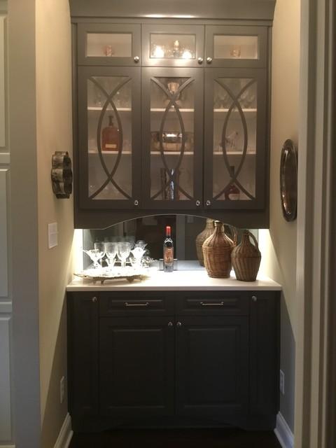 Home bar - home bar idea in Indianapolis