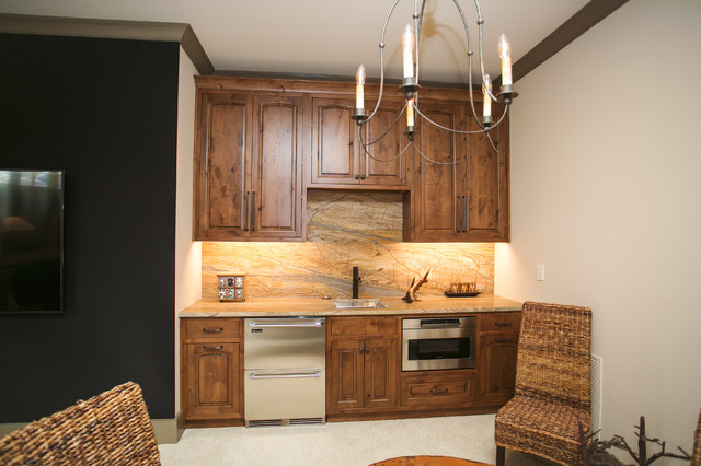 Home bar - rustic home bar idea in Indianapolis