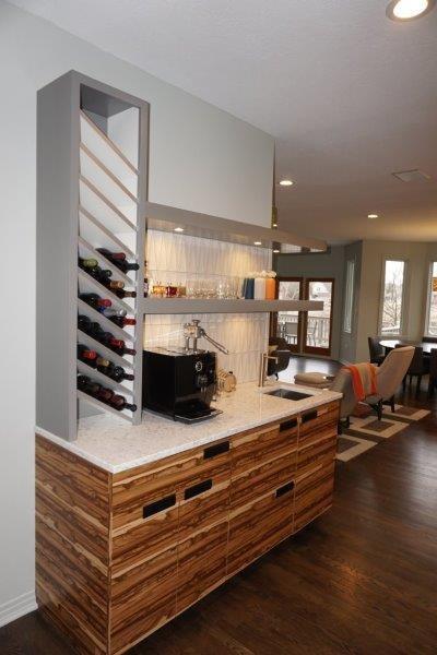 Home bar - craftsman home bar idea in Indianapolis