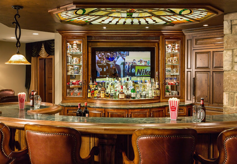 Inspiration for a home bar remodel in Milwaukee