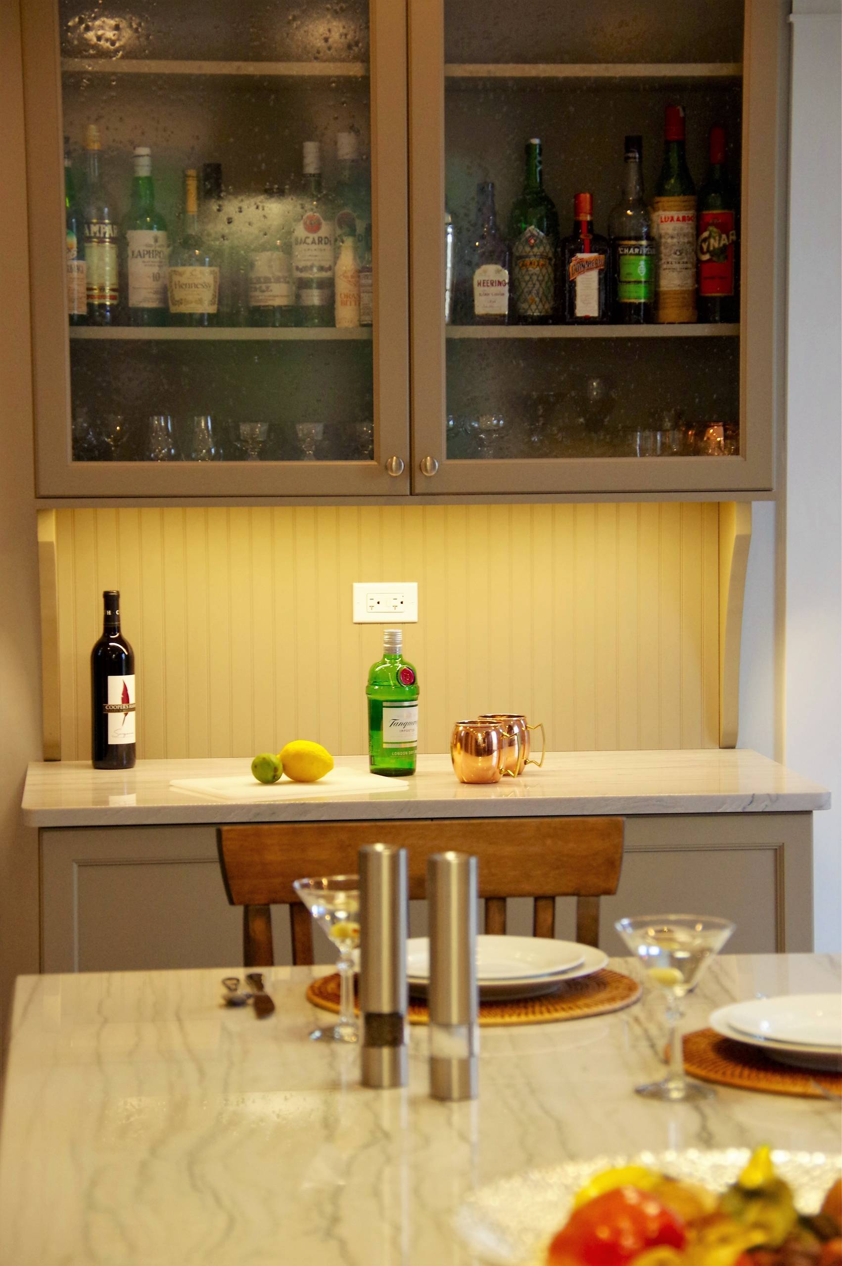 Chaise En Bois Repeinte 75 beautiful home bar with beige cabinets and wood