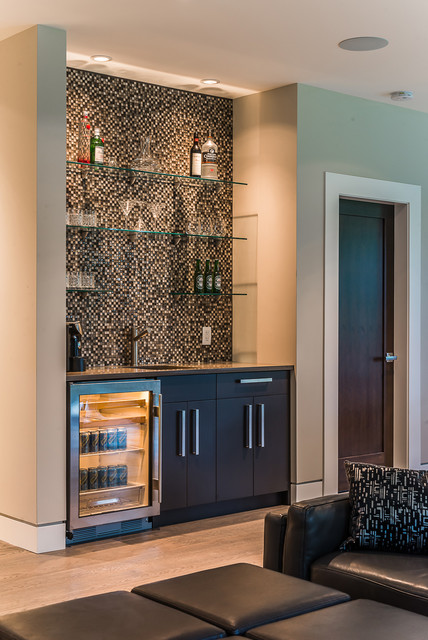 Cedar Ridge Modern Home Bar