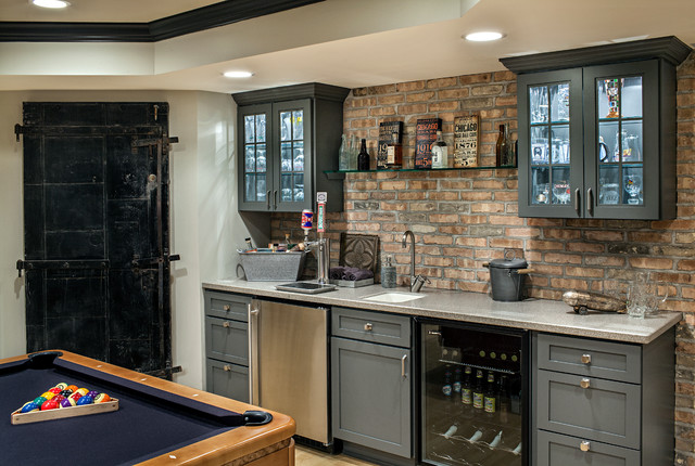 Chicago Chic Basement transitional home bar