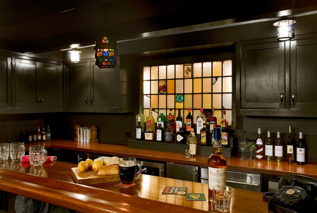 Crisp Architects traditional-home-bar