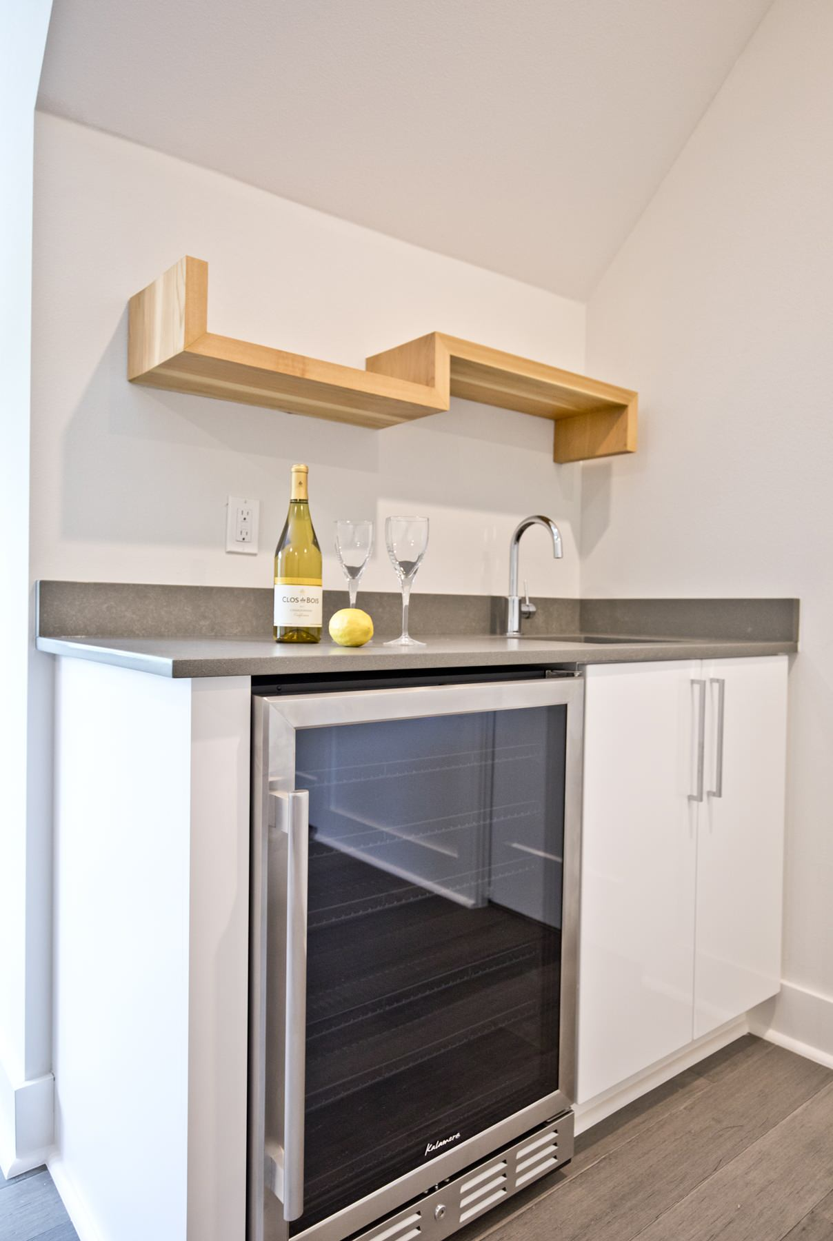 75 Beautiful Contemporary Home Bar With White Cabinets Pictures Ideas November 2020 Houzz