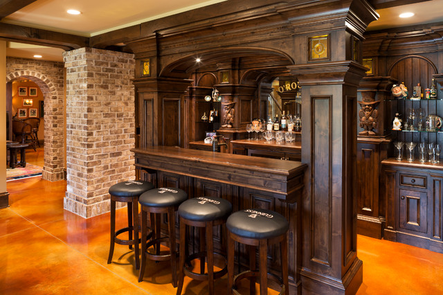 Beau Elegant English Country Home Traditional Home Bar
