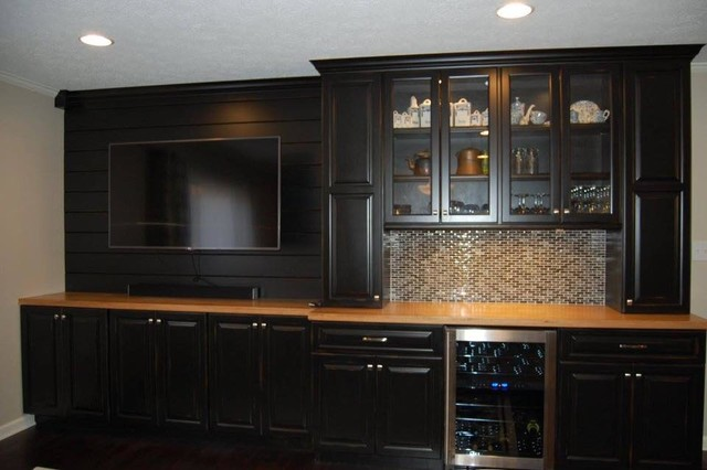 Inspiration for a transitional home bar remodel in Indianapolis