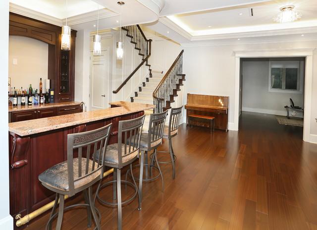 Entertainment room bar traditional home bar for Entertainment bar for home